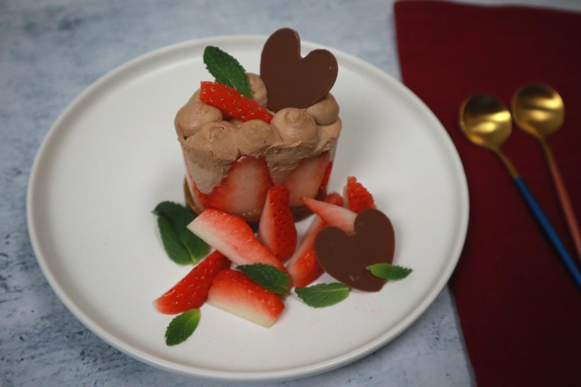 Strawberry chocolate dessert